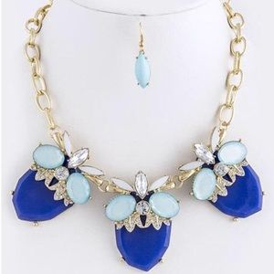 Statement blue Necklace -New-